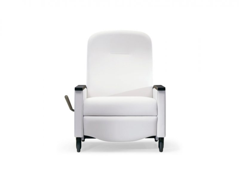 Nemschoff Pristo Plus Recliner, Bariatric, independently operated back and footrest