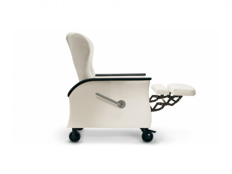 Nemschoff Serenity Recliner, Hospital, Aged Care, Dementia Friendly, Independent footrest