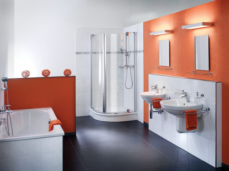 Two Derungs Vanera Bath lights mounted above mirrors